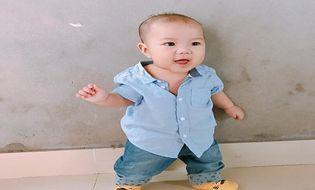 Gia đình - Tình yêu - Hưng Yên: Ngạc nhiên với bé trai 4 tháng tuổi đứng vững như người lớn