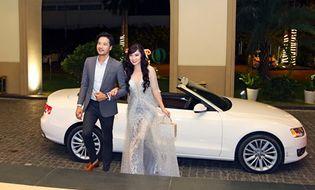 Tin tức giải trí - Đoàn Thanh Tài tháp tùng ca sĩ hải ngoại Kavie Trần đi làm MC bằng xe tiền tỉ