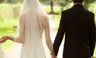 """Gia đình - Tình yêu - Câu hỏi """"lấy vợ là lấy cho mình hay cho bố mẹ?"""" khiến dân mạng tranh cãi gay gắt"""