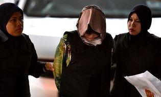 Tin thế giới - [Trực tiếp] Sáng nay (16/8), Đoàn Thị Hương mặc áo chống đạn đến phiên tuyên án