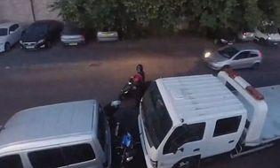 """Video-Hot - Video: Tài xế mưu trí """"xử đẹp"""" tên trộm hung hãn, có đồng bọn"""