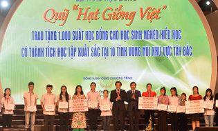 Đồng hành nhà hảo tâm - Tập đoàn Mường Thanh: Trao tặng 1000 suất học bổng cho học sinh 10 tỉnh Miền núi phía Bắc