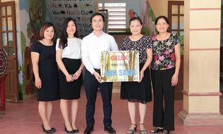 Sống đẹp - GELEX trao tặng thư viện sách cho Trường Tiểu học Thanh Hải, Hà Nam