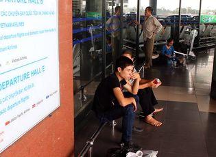 Clip: Sân bay Nội Bài vẫn còn nhiều bất cập