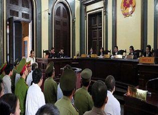 """An ninh - Hình sự - Xử vụ Ngân hàng Xây dựng: Bà Trần Ngọc Bích nói """"không quen"""" Phạm Công Danh"""