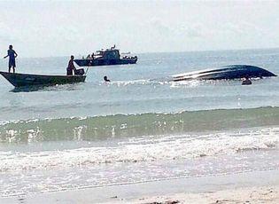Tin thế giới - Lật thuyền ở Malaysia, 8 người chết