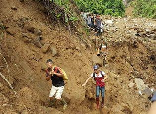 Tin trong nước - Vụ sập hầm vàng ở Lào Cai: Chính quyền thừa nhận có