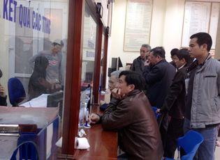 Tin trong nước - Cán bộ Hà Nội phải xin lỗi nếu để dân chờ đợi lâu