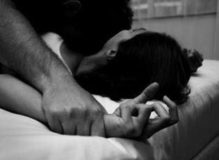 An ninh - Hình sự - Điều tra vụ nữ du khách tố bị lái xe ôm giở trò đồi bại