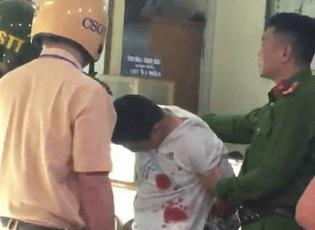 Clip: Công an truy bắt đối tượng cướp tiệm vàng trong đêm ở Hà Nội