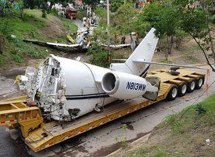 Hiện trường vụ máy bay Mỹ gãy đôi khi hạ cánh tại Honduras