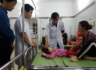 Thực phẩm - Nguyên nhân gì khiến 142 trẻ nhập viện sau khi ăn buffet?