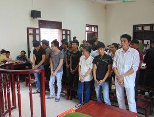 """An ninh - Hình sự - Thanh Hóa: Xét xử 19 bị cáo trong vụ """"hỗn chiến sông Yên"""""""