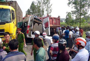 Tin trong nước - Vụ tai nạn ở Quảng Ngãi: Xe khách không đăng ký luồng tuyến theo quy định