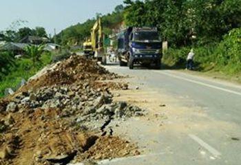 Tin trong nước - Nứt đường tại Yên Bái: Sở nói do dân, dân