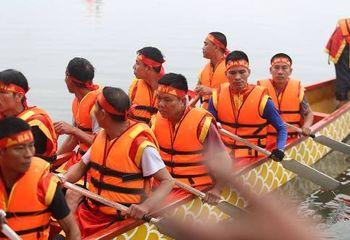 Tin trong nước - Lần đầu tiên Hà Nội tổ chức Lễ hội bơi chải thuyền rồng trên hồ Tây