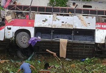Tin tức - Thông tin mới nhất về sức khoẻ các nạn nhân vụ xe khách lao xuống vực ở Cao Bằng