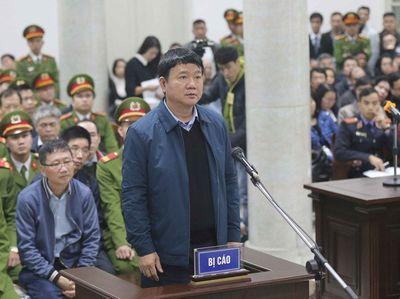 Xét xử ông Đinh La Thăng và đồng phạm: Phần thẩm vấn gay cấn - ảnh 1