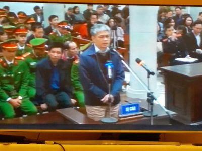 Bị cáo Nguyễn Xuân Sơn nêu lý do không mời luật sư - ảnh 1