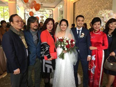 Con gái nhạc sĩ Đỗ Hồng Quân - NS Chiều Xuân rạng rỡ trong đám cưới - ảnh 1