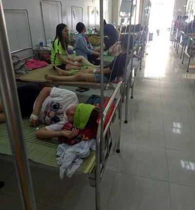 Liên hoan chia tay, hơn 70 sinh viên nhập viện vì ngộ độc - ảnh 1