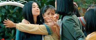 """Thanh Hằng cầm đầu băng nhóm """"Nữ quái"""" - ảnh 1"""