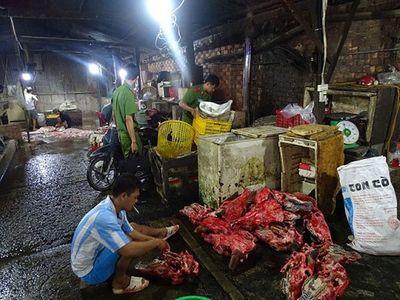 400 kg nội tạng bò ngâm hóa chất tẩy trắng, làm cho giòn, đánh lừa vị giác thực khách - ảnh 1