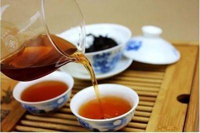 Phẫu thuật sỏi thận 4 lần trong 2 năm chỉ vì thói quen uồng trà xanh sai thời điểm - ảnh 1