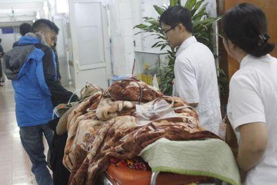 Đón tết lặng lẽ tại bệnh viện của bác sĩ và bệnh nhân - ảnh 1