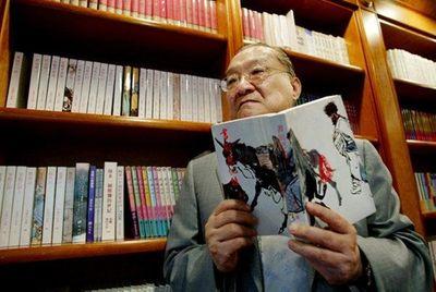 Tiểu thuyết kiếm hiệp Kim Dung bán chạy gấp 350 lần sau khi tác giả qua đời - ảnh 1