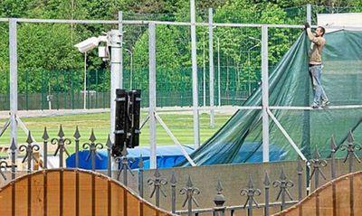 Tin tức World Cup 2018: ĐT Nigeria nổi bật tại Nga, Anh xây hàng rào 4m bảo mật chiến thuật - ảnh 1