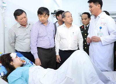 """Vụ tai nạn ở đèo Hải Vân: """"Chạy đua thời gian"""" tìm cánh tay đứt lìa của nữ sinh viên - ảnh 1"""