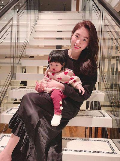"""Điểm danh 10 gia đình sao Việt """"tăng nhân khẩu"""" trong năm 2018 - ảnh 1"""