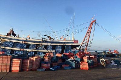 Quảng Bình: 1 người tử vong, 4 người nguy kịch vì ngộ độc khí trên tàu - ảnh 1