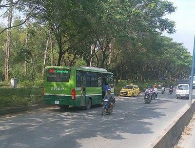 """Vụ xe buýt chạy kiểu """"liều mạng"""" trên phố Sài Gòn: Đình chỉ tài xế - ảnh 1"""