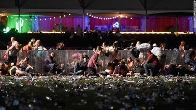 Toàn cảnh vụ xả súng đẫm máu nhất lịch sử hiện đại nước Mỹ - ảnh 1