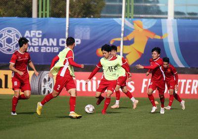 """Asian Cup 2019: HLV Park Hang Seo cho các học trò tập bài tập """"lạ"""" để đấu Iran - ảnh 1"""
