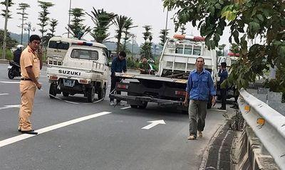 Xe cứu hộ mất lái, lao lên vỉa hè khiến 3 người thương vong - ảnh 1