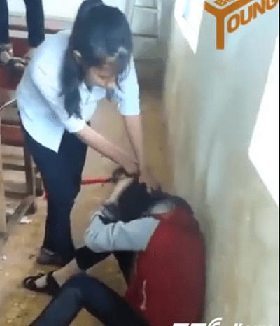 Nữ sinh gọi hội đánh bạn ngay giữa lớp học vì ghen tuông - ảnh 1