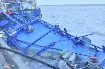 9 tàu hàng bị chìm trong bão, 80 người được cứu, nhiều người khác mất tích  - ảnh 1