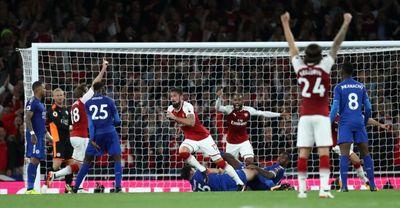 Arsenal đánh bại Leicester tại trận khai mạc Ngoại hạng Anh  - ảnh 1