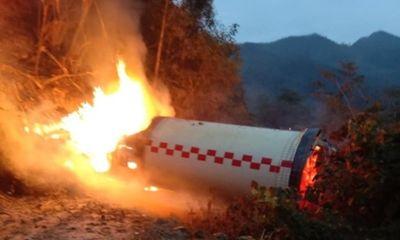 Trung Quốc: Mảnh vỡ tên lửa rơi xuống đất phát nổ - ảnh 1