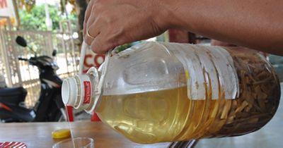 Bị suy thận chỉ vì nghĩ rượu độc là thuốc bổ thận tráng dương cực đỉnh - ảnh 1