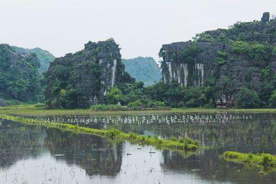 Ngắm hang Múa, Ninh Bình: Tuyệt đẹp trong sắc Thu - ảnh 1