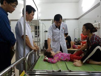 Nguyên nhân gì khiến 142 trẻ nhập viện sau khi ăn buffet? - ảnh 1