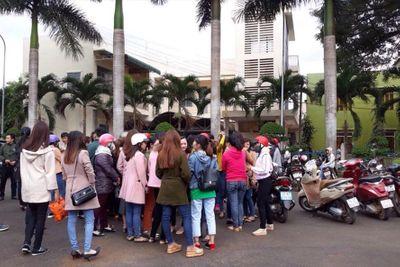 500 giáo viên mất việc: Họp khẩn tìm giải pháp, kỷ luật Phó Ban Nội chính Tỉnh ủy Đắk Lắk - ảnh 1