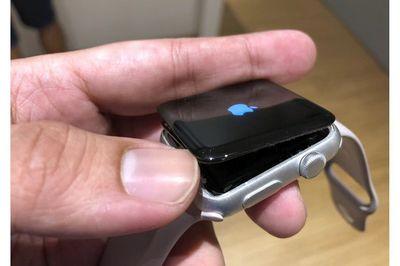 Apple Watch Series bị lỗi phồng pin được sửa miễn phí - ảnh 1