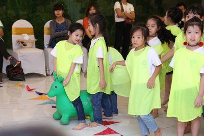 Teambuilding bùng nổ bữa tiệc sôi động và đầy màu sắc của các thí sinh Cuộc thi Tìm Kiếm Thiên Tài Nhí 2018 - ảnh 1