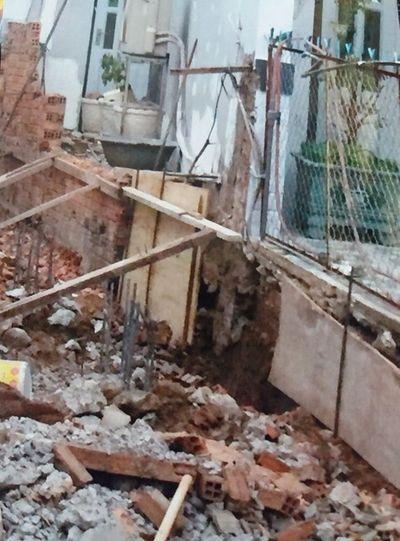 Khởi kiện hàng xóm vì xây nhà không đảm bảo an toàn - ảnh 1