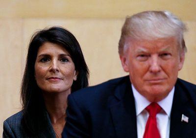 Lo ngại căng thẳng leo thang, Tổng thống Trump bất ngờ hoãn trừng phạt Nga - ảnh 1
